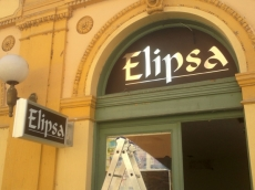 Svetleća dvostrana konzola - Firma: ELIPSA - Lokacija: Pančevo