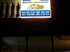Svetleca reklama za Auto centar - AutoRus